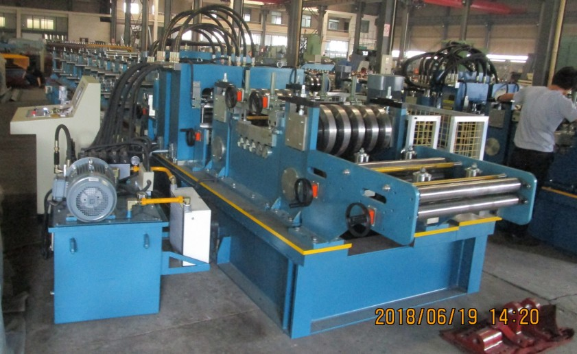 Zhongyuan purlin roll forming machine