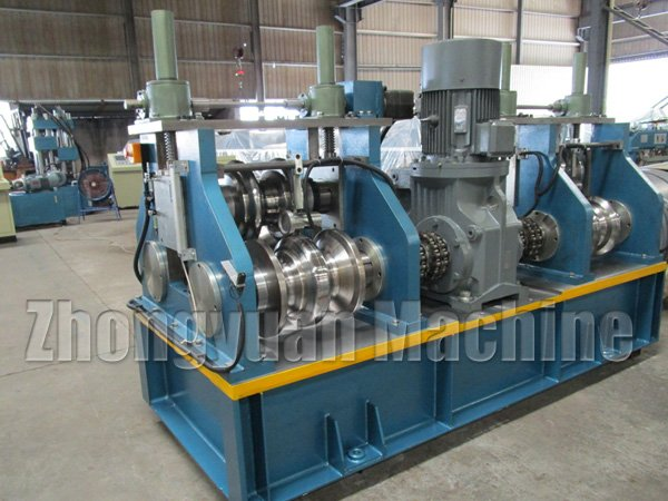 Highway-guardrail-roll-Forming-Machine2.jpg
