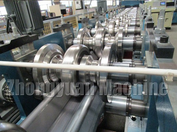 Highway-guardrail-roll-Forming-Machine