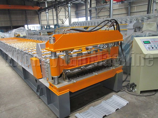 RN100/35 Panel Roll Forming Machine