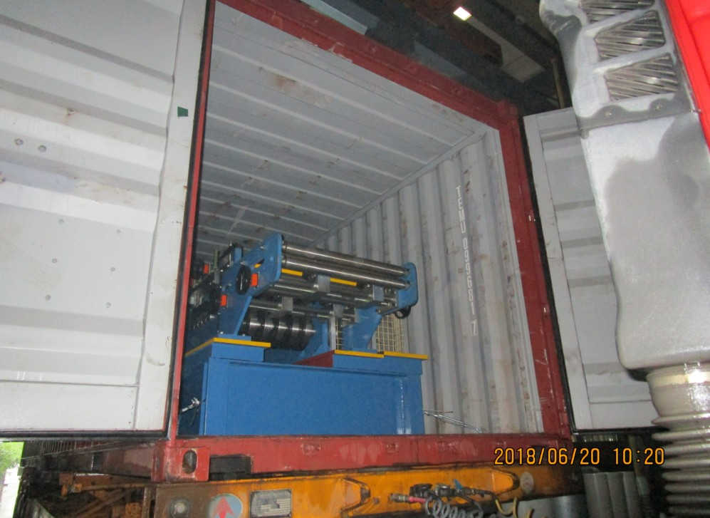 Delivery of Automatic cz PURLIN ROLL FORMING MACHINE to Oman On June 20,2018