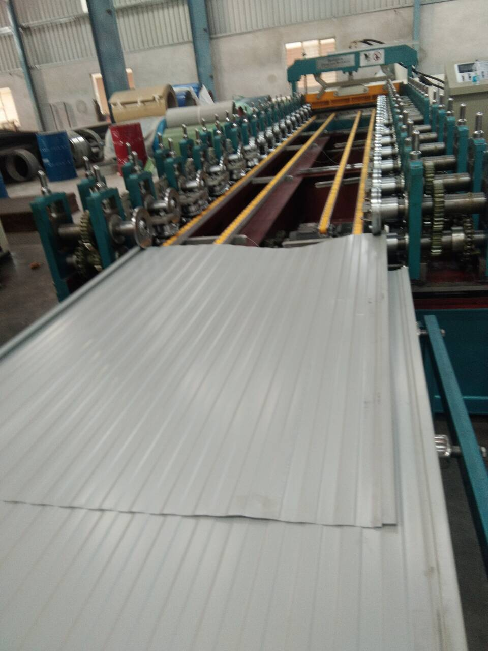 Sandwich Panel Roof Machine.jpg
